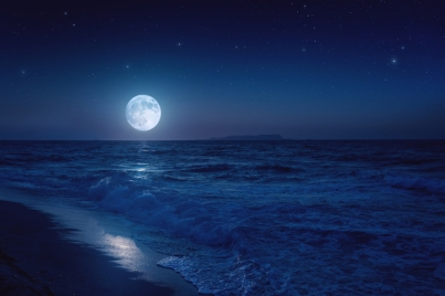 moon-over-sea